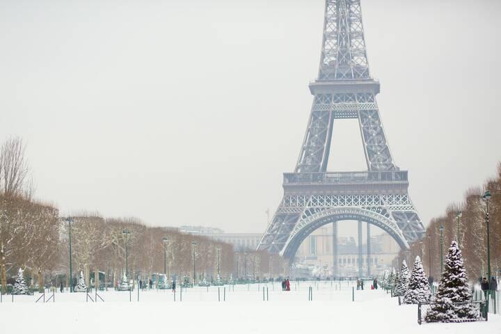 schnee in paris wie oft schneit es und was kann man dann machen. Black Bedroom Furniture Sets. Home Design Ideas